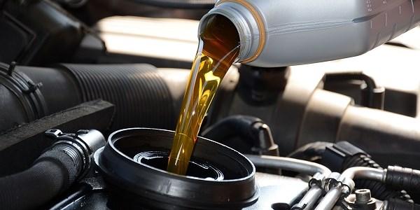 dầu bôi trơn động cơ